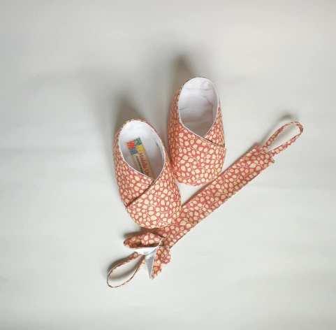 coordinato baby modello unico scarpine neonato rosa e posta ciuccio